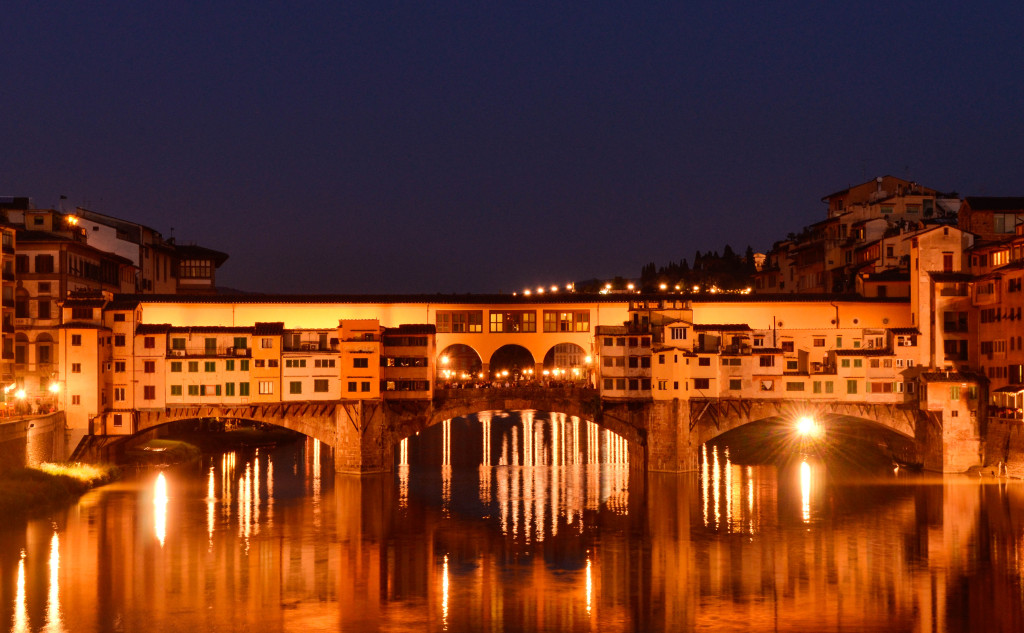 ponte vecchio at night beautiful florence