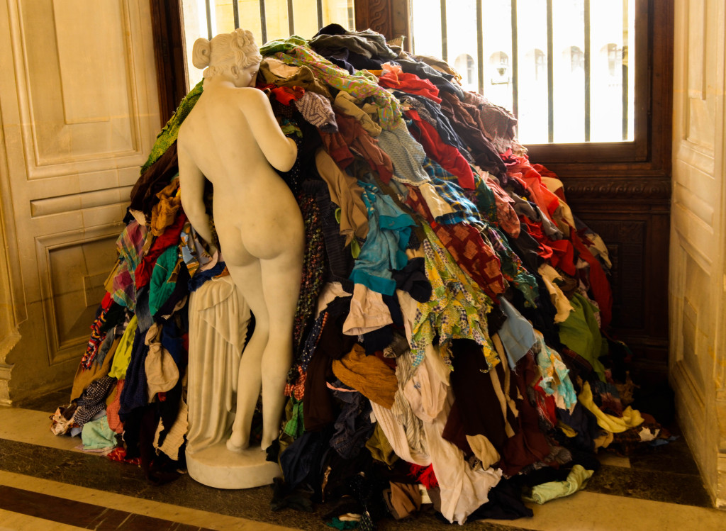 louvre abstract art clothes
