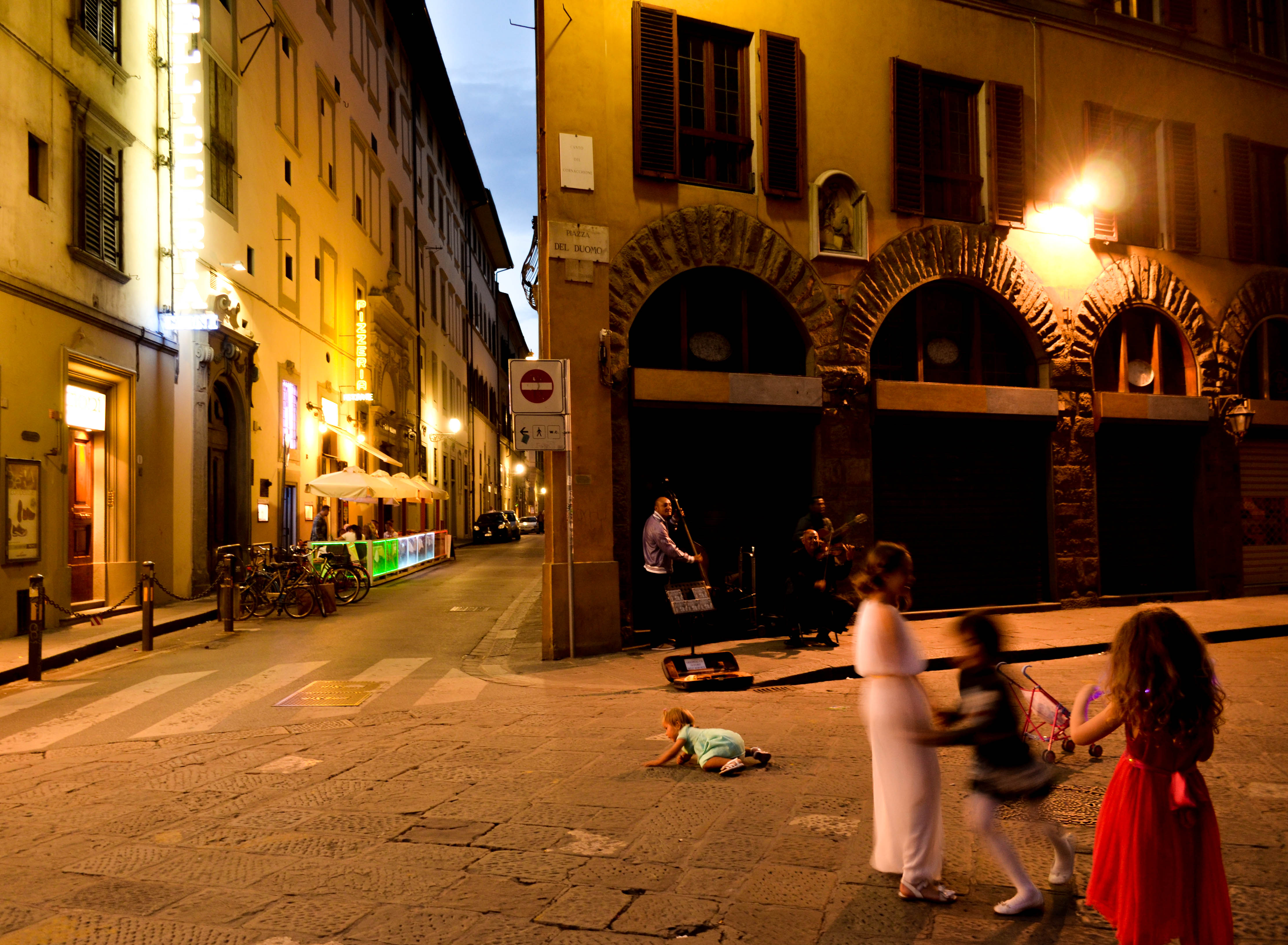 florence, italy, street photography, street artists, duomo