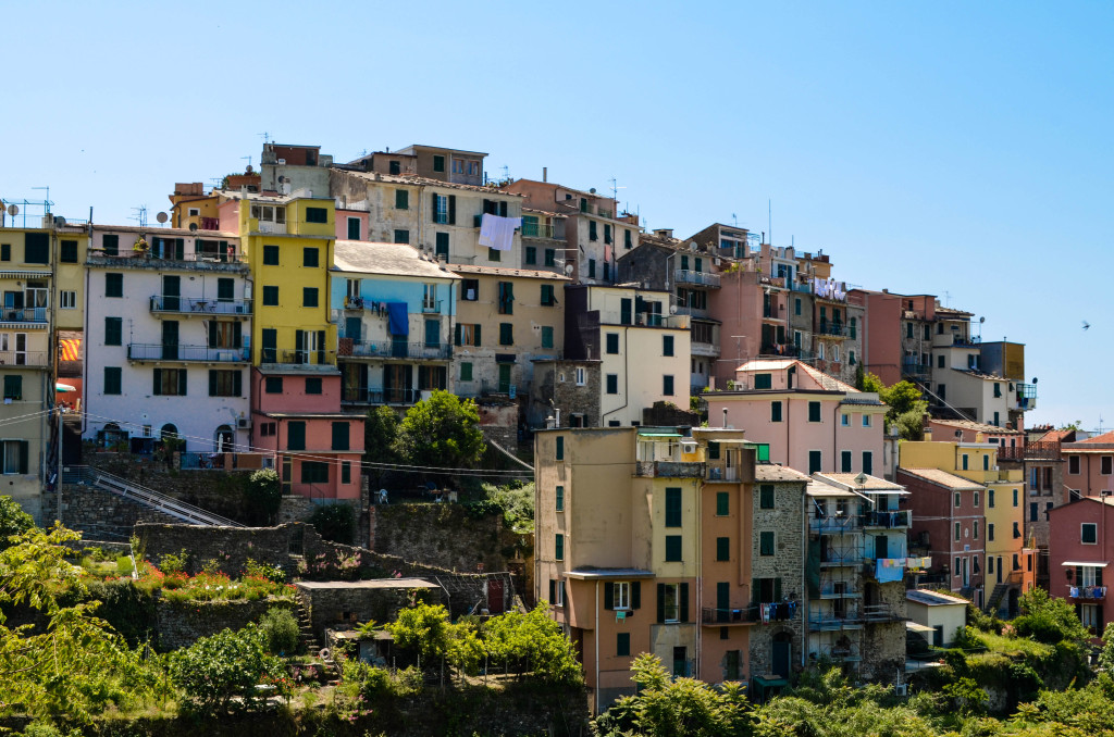 Cinque Terre Trek, A hiking day trip along the Italian Riviera, Walkabout florence tour, corniglia
