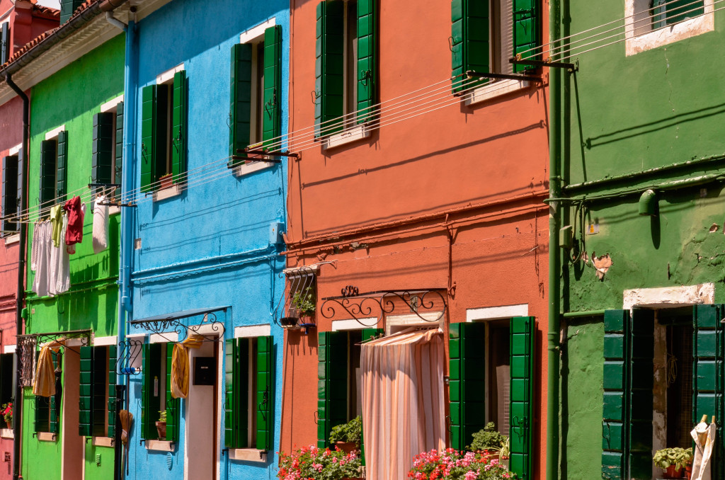 48 hours in venice, burano colorful houses, murano island, glassmaking business, confused dasher, italy