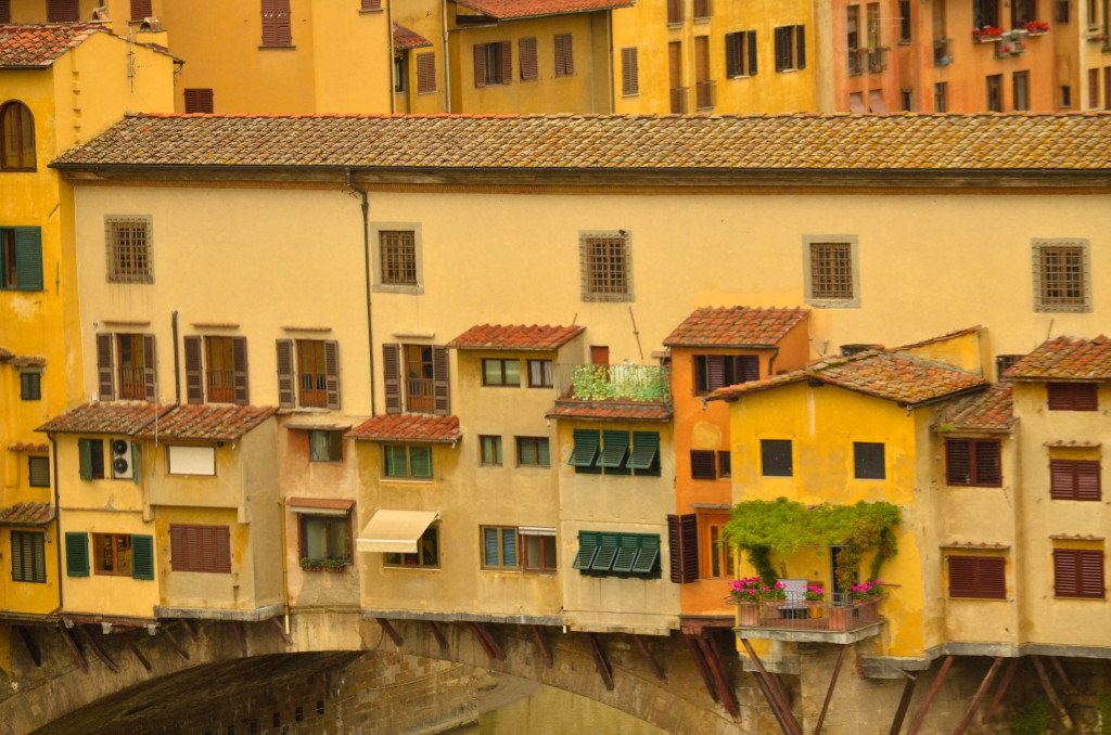 uffizi museum, florence, italy, panoramic view of ponte vecchio